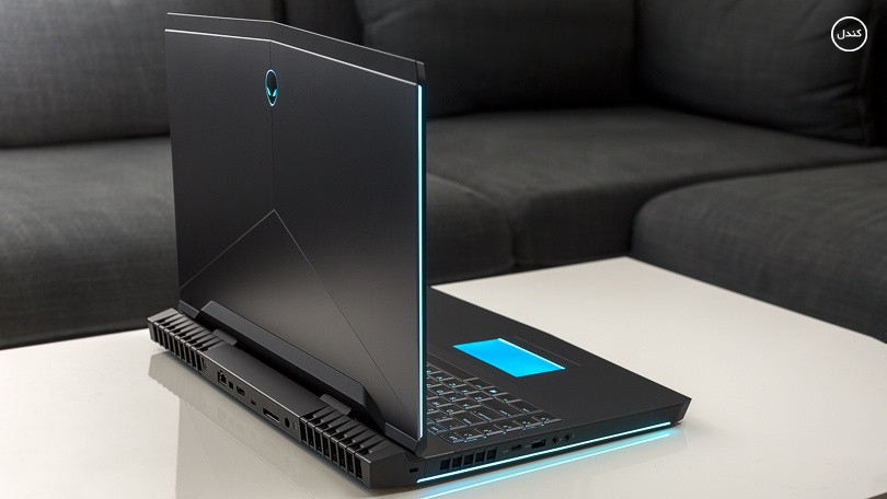 Alienware 17 R5 design
